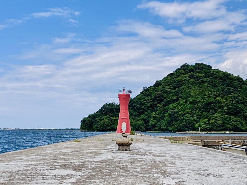 安来の赤灯台